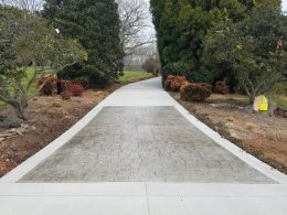 Driveway with stamped cobblestone entry