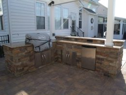 Hardscape pic of Dave Collins grill area