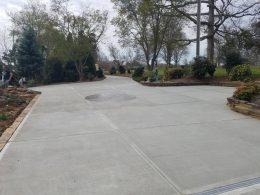 Large driveway with cobblestone circle kit