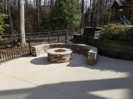 Seat wall with firepit