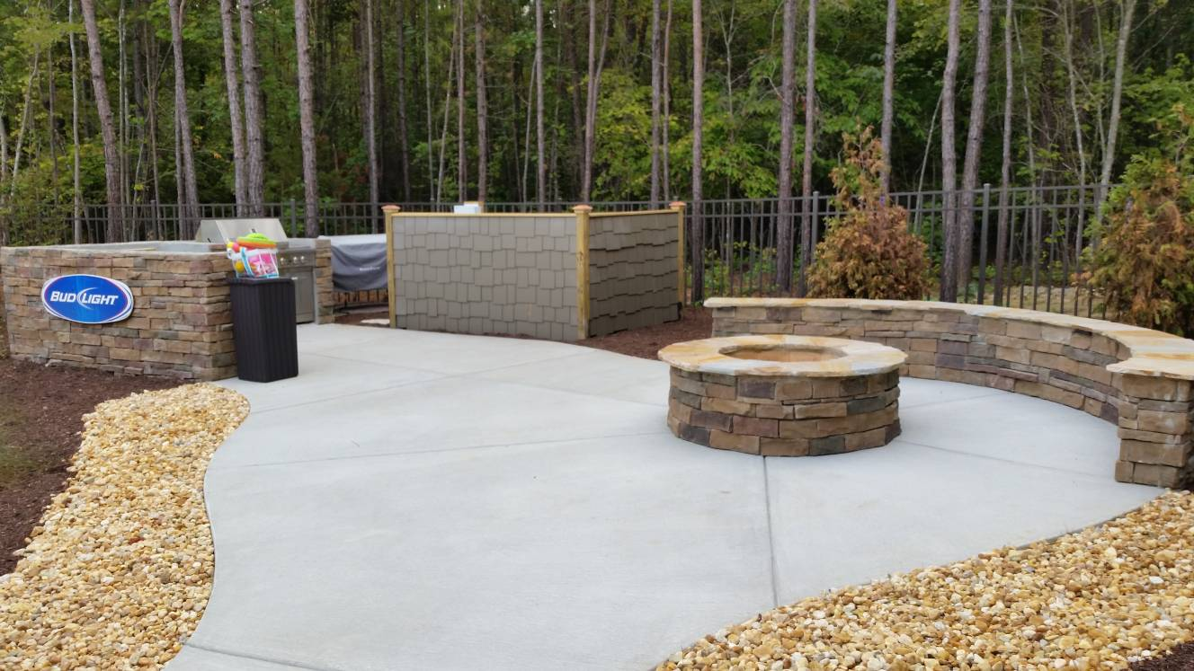 Seatwall and firepit in tan