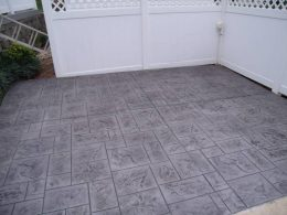 Stamped ashlar in boulder with silver grey