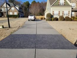driveway with stamped cobblestone front 2